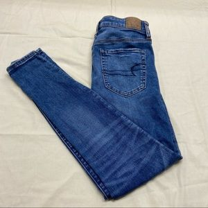 NEW American Eagle Ladies Medium Wash Denim Jeans